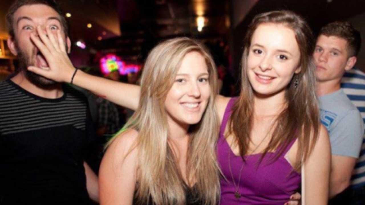 Фото девушек в клубах 1 фотография