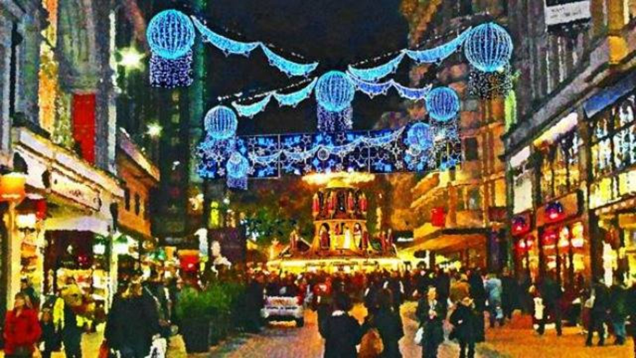 Navigating the Birmingham Christmas Market: the do's and don'ts ...