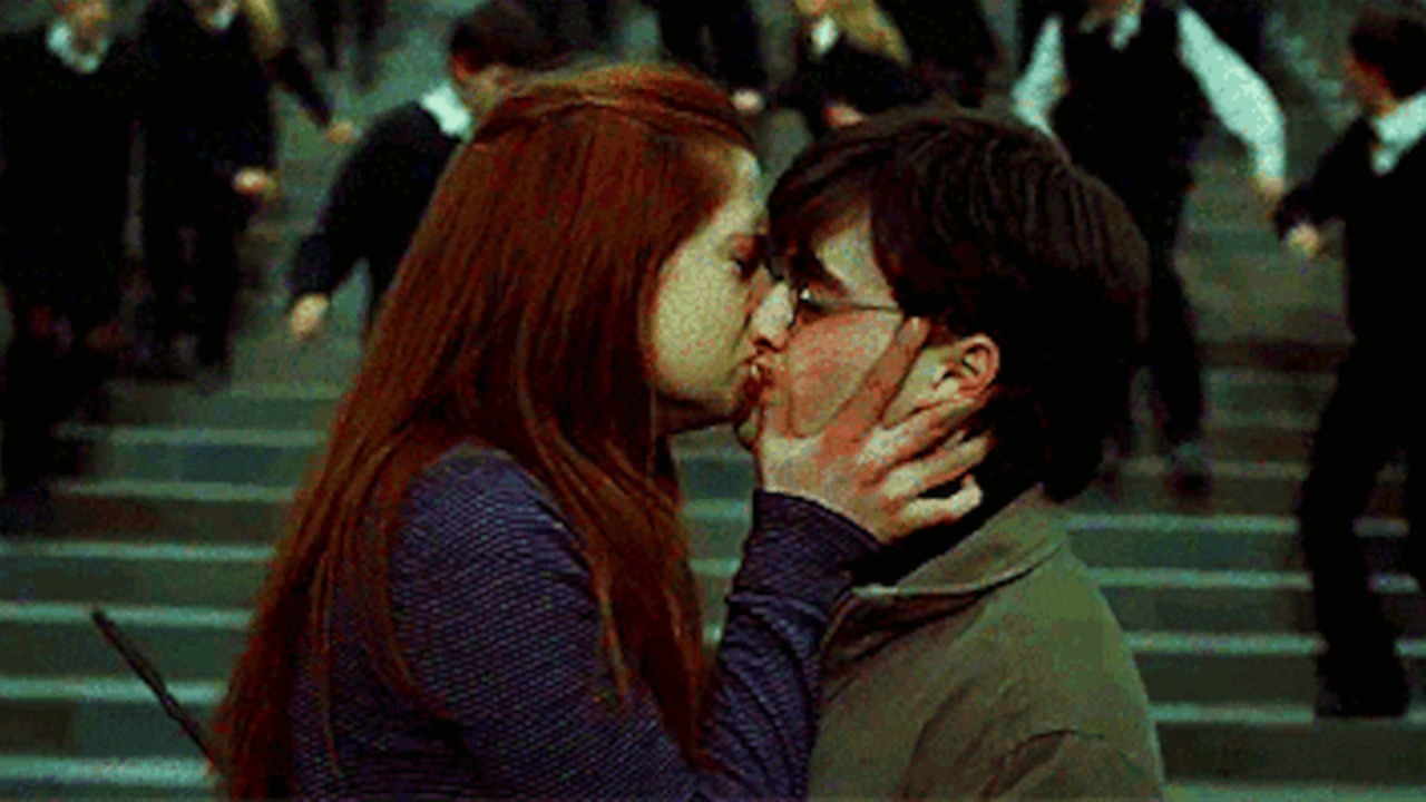 Ginny And Harry Kissing Scene 96